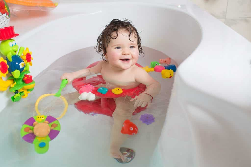 baby bath time 1