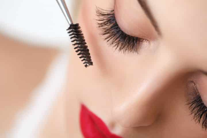 Best Waterproof Mascara Buying Guide