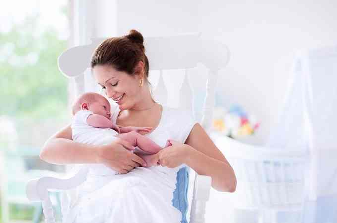 Top Tips for Managing Those First Post-Birth Weeks