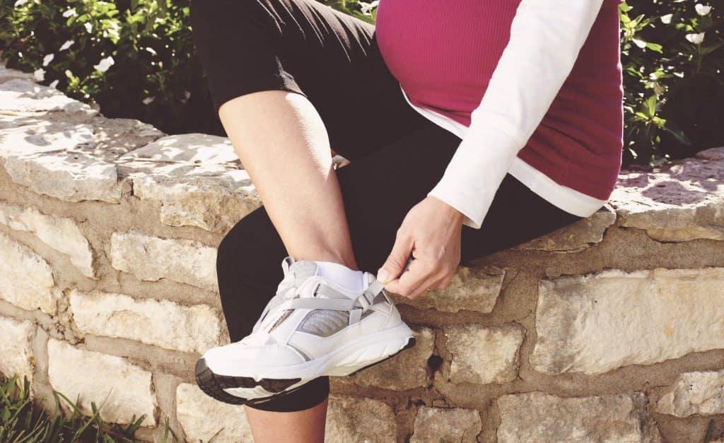 c7fb22e04752 Top 5 Best Pregnancy Shoes Review